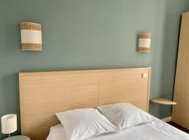 Hotel Saint Louis, hotel in Brest