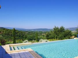 Villa with 4 bedrooms in Roussillon, with private pool, furnished terrace and WiFi, hotel in Roussillon