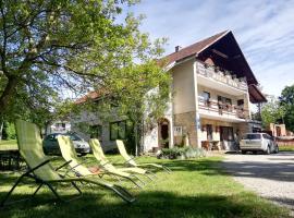 Lazy Bear, hotel in Jezerce