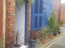 Atlantic cottage, pet-friendly hotel in Blackpool