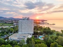 Danubius Hotel Marina, отель в Балатонфюреде