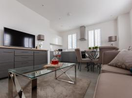 Stunning Bedford Show Home Apartment by Comfy Workers, apartment in Bedford