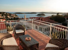 Tanya-Apartments and Rooms, B&B in Hvar