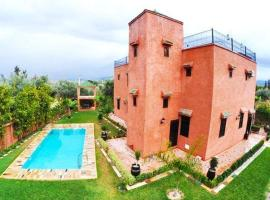 Villa with 3 bedrooms in Aghmat with wonderful mountain view private pool enclosed garden, holiday home in Aghmat