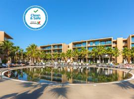Salgados Palm Village Apartments & Suites - All Inclusive, hotel in Albufeira