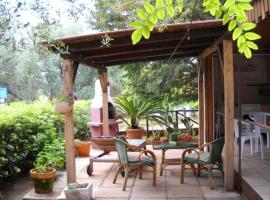 Bungalow with 2 bedrooms in Marina di Camerota with enclosed garden and WiFi 60 m from the beach, pet-friendly hotel in Marina di Camerota