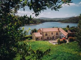 Casa de Santa Uxía, hotel near Ezaro Waterfall, Ézaro