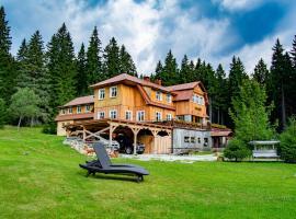 Horská chata Milíře, guest house in Pec pod Sněžkou