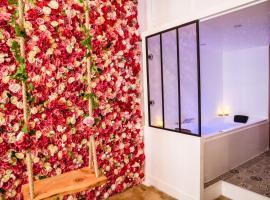 Suite romantique avec Jacuzzi - Hypercentre, Place Jean Jaurès, hotel with jacuzzis in Montpellier