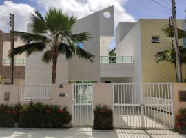 Casa Duplex - 3 quartos e Piscina, holiday home in Barra de São Miguel