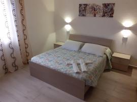 Bilocale indipendente a pochi passi dal mare di Rimini, holiday home in Rimini