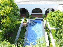TROPICAL HOMESTAY PHÚ YÊN, beach hotel in Tuy Hoa