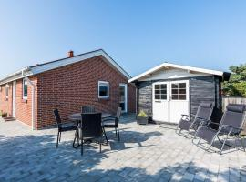 Holiday home Henne LIV, overnatningssted i Henne Strand