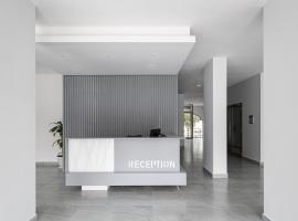 Code Housing salmiya - brand new-Family only، مكان عطلات للإيجار في الكويت