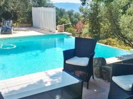 Holiday Home San Gavino, hotel in Figari