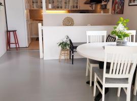 StayPlus Four-Bedroom Holiday Apartment, leilighet i Kristiansand