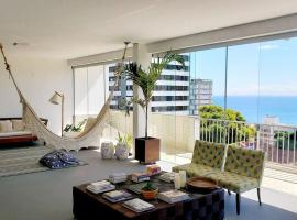 Charming and spacious apt with gorgeous seaview and bathtub, apartment in Salvador