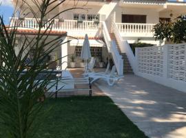 Apartamento independiente en chalet, beach hotel in Benicàssim