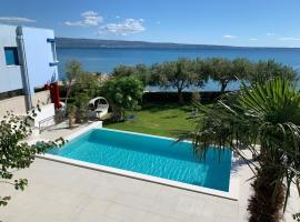 Villa Pitomcia, hotel with pools in Podstrana