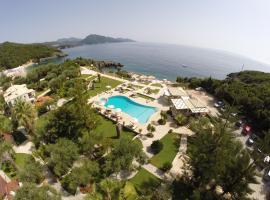 Hotel Mikros Paradisos, hotel near Sarakiniko beach, Syvota