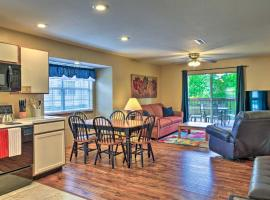 Pet-Friendly Branson Condo Lake and Pool Access!, villa in Branson