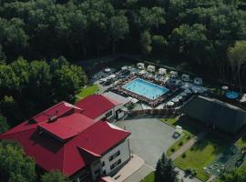 Park Hotel Sosnovy Bor, hotel with pools in Novosibirsk