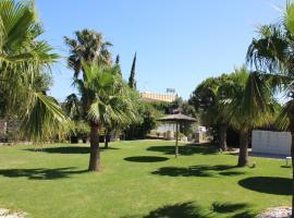 Hotel La Torre, hotel cerca de Playa de Bolonia, Tarifa