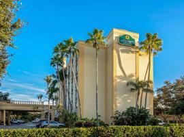 La Quinta by Wyndham West Palm Beach Airport, hotel near Palm Beach International Airport - PBI, West Palm Beach