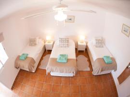 Arrifana Surf Lodge, hotel en Aljezur