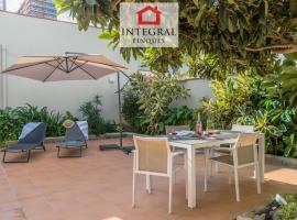 Preciosa Casa en el Centro a 2 Minutos de la Playa, villa in Palamós