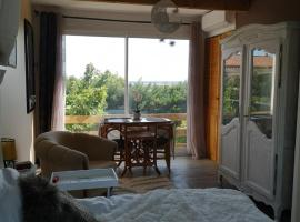 studio à Portiragnes, hotel near Beziers Cap d'Agde Airport - BZR,