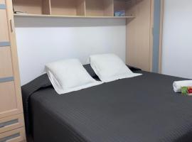 Amplia habitación en los Llanos de Aridane, hotel a Los Llanos de Aridane