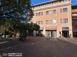 Hotel Giardino degli Aranci, hotel in Frattamaggiore