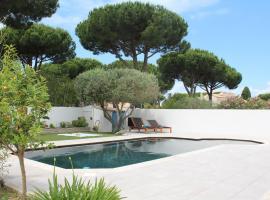LA GRANDE MOTTE VILLA DE LUXE, holiday home in La Grande-Motte