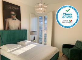 New!! Luxury Avenida Da Liberdade Flat- with Rooftop and Pool, hotel with pools in Lisbon
