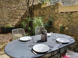 Les chemins de la Cité, holiday home in Carcassonne