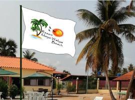 Resort Moyo Wakya Beach, hotel in Luanda