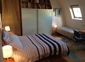 Cote Montmartre, bed and breakfast en París