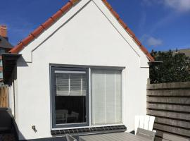 Nice Holiday Home in North Holland, 100 m from the Beach, holiday home in Egmond aan Zee