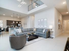 Spectrum Resort Orlando 4 Bedroom + Resort Amenities + Near Disney, serviced apartment in Kissimmee