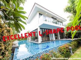 Stunning 4BR villa with private beach nearby, biệt thự ở Đà Nẵng