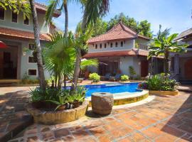 Villa Naga Maya, luxury hotel in Legian