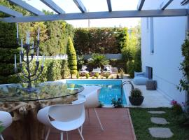 Riviera Pool Villa - Golf Athens, hotel with pools in Athens