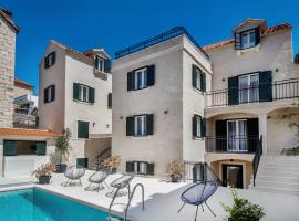 Sperone Luxury Accommodation, guest house in Split