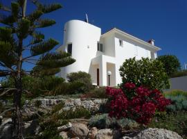 VILLA CHELIA situated at MINTHIS GOLF RESORT, hotel in Paphos