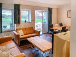 Holiday Home Bungalowpark Landsrade, budget hotel in Gulpen