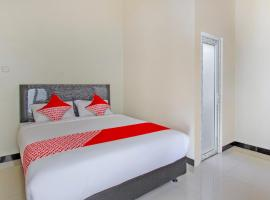 OYO 2753 Irma's Residence, hotel in Blitar