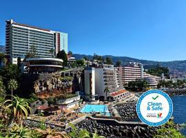 Pestana Carlton Madeira Ocean Resort Hotel, hotel en Funchal
