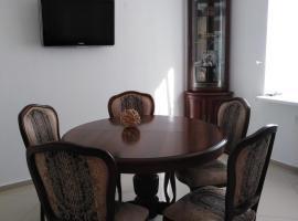 Апартаменты ЖК Алтынай, apartment in Yakty-Kul