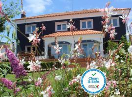 HappySintra GuestHouse by Casa do Preto, casa de hóspedes em Sintra